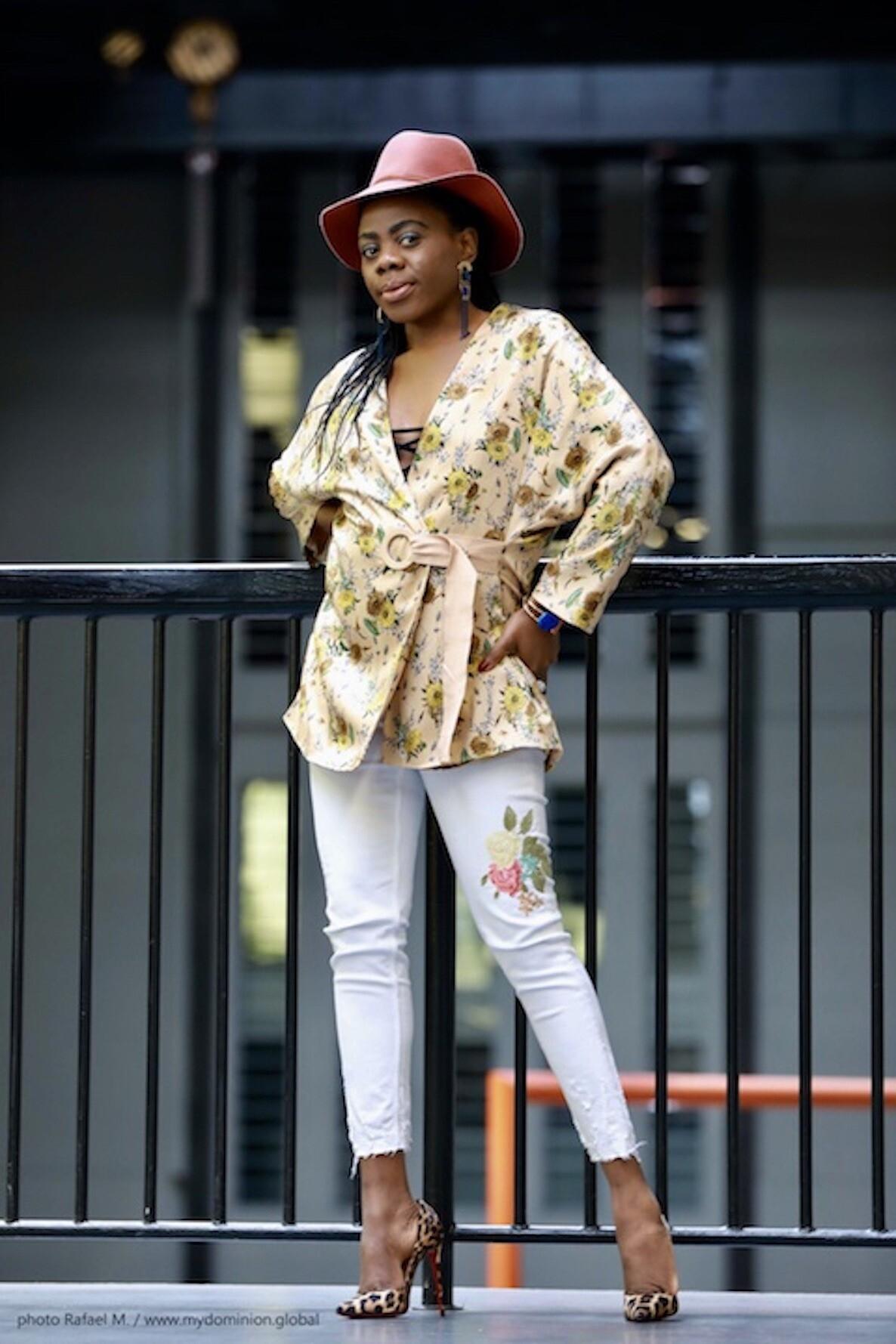 Styling A Floral Kimono X White Skinny Jeans X Louboutin Pumps