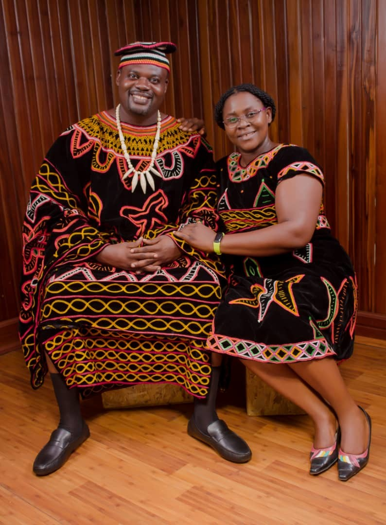 Best Traditional Regalia from Cameroon the Toghu or Atoghu